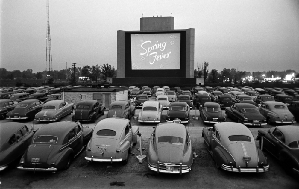 Drive-in-film-cinema-auto-1024x647